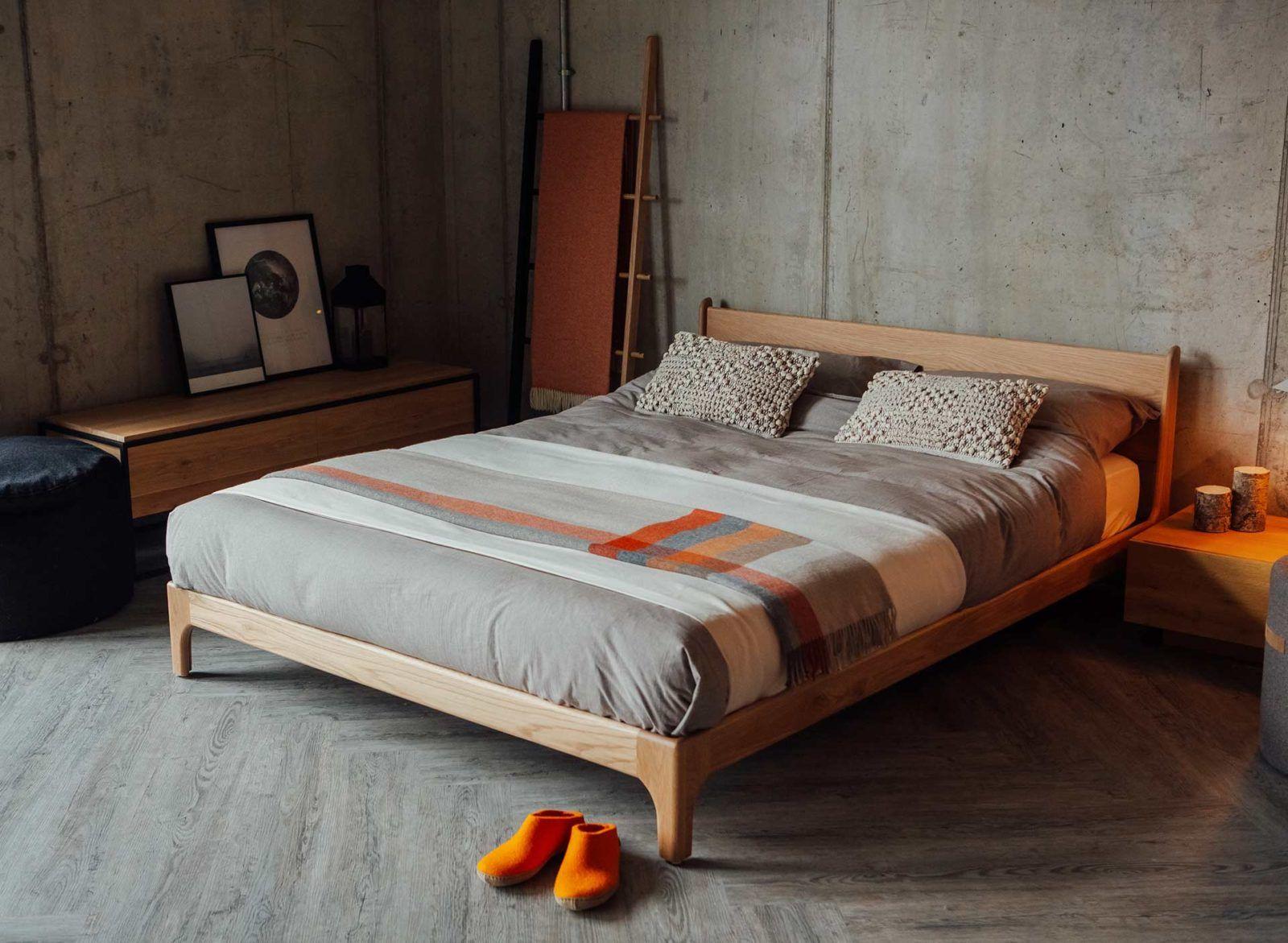 Pimlico Low Handmade Bed Bed Wood Beds Bedding Master Bedroom