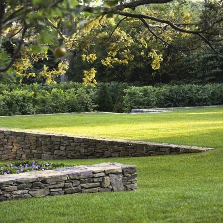 idee Limoges pour terrasser le terrain jardin Pinterest