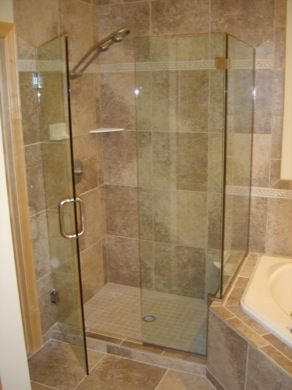 Shower Doors With Knee Wall   Shower Enclosures Minneapolis, Minnesota  Frameless Enclosures   DEsigned Glass