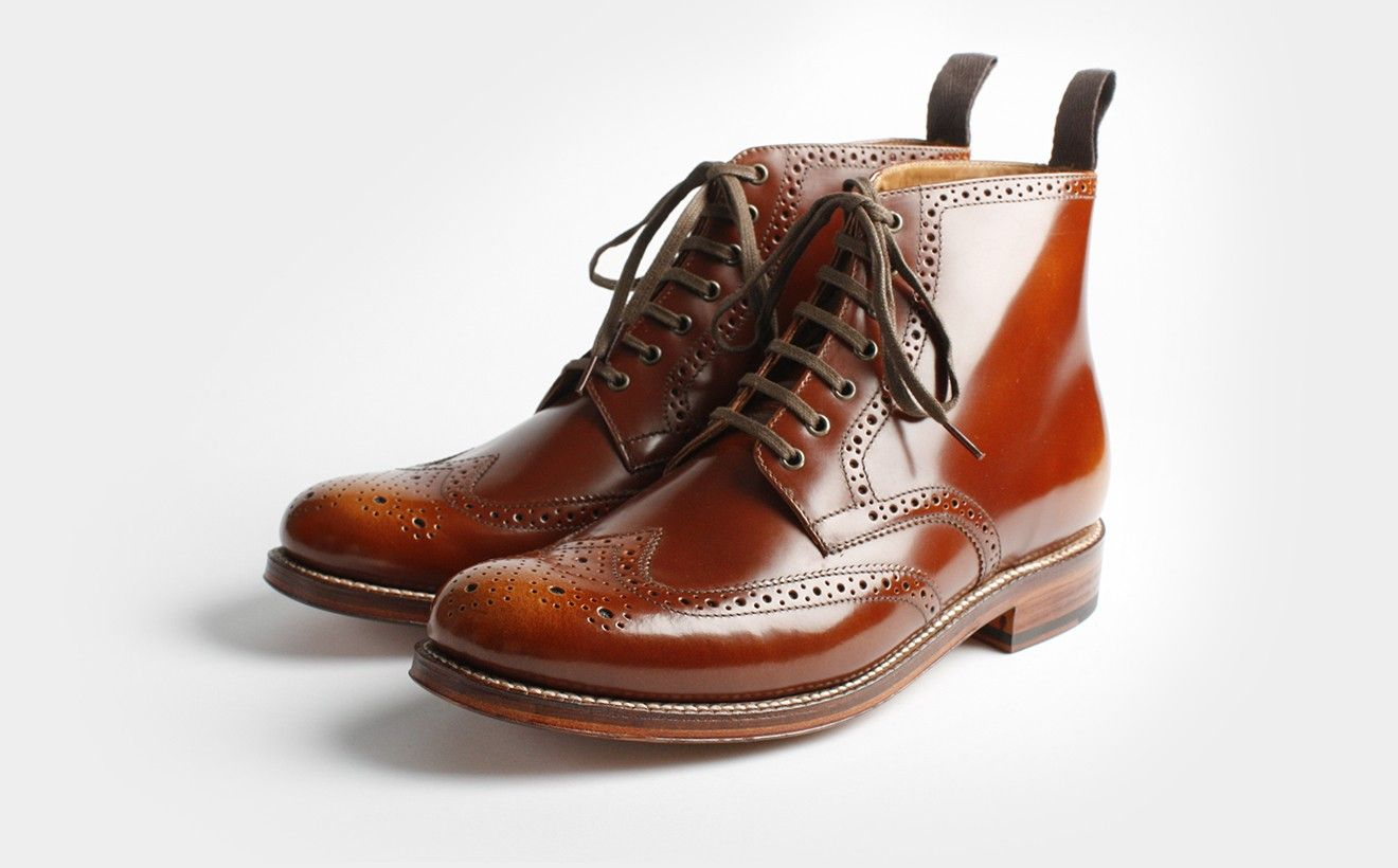 Grensen, Sharp, in brown. So cute I don't even care that it's made for a man.