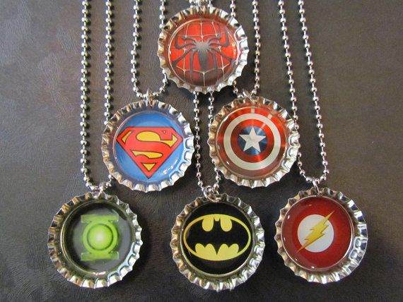 Ähnliche Artikel wie Super Hero /   Bottle Cap Party favors (6) auf Etsy #superherocrafts