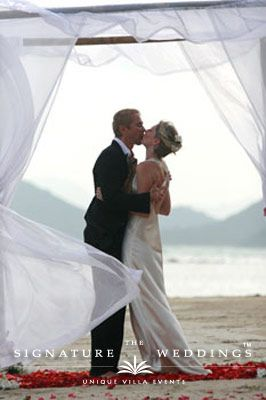 The First Kiss Katie And Guy Ban Mekkala Koh Samui By The