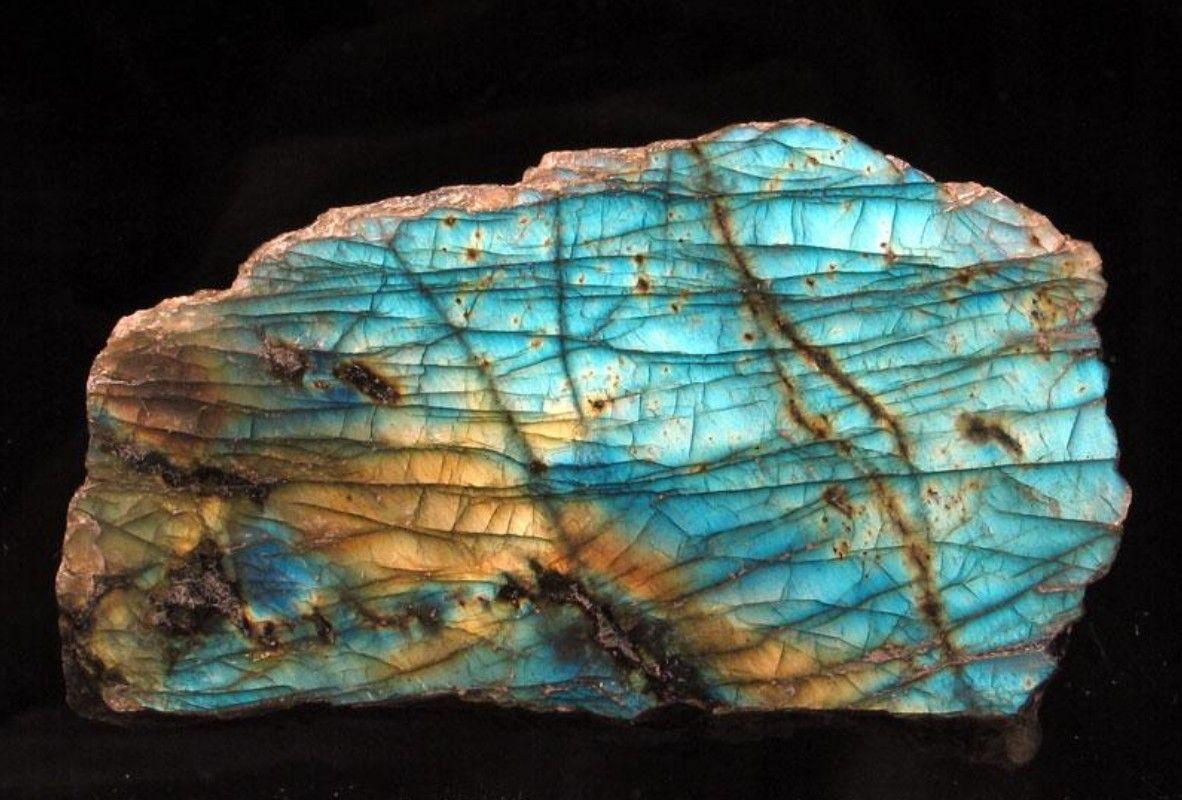 Labradorite My Favorite Stone Minerals And Gemstones Labradorite Crystals