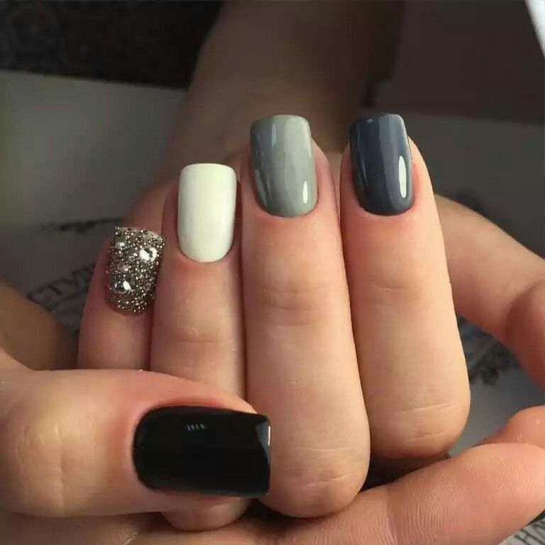 Black White Grey With Glitter Accent Nail Luxury Nails Beautiful Nails Cute Nails