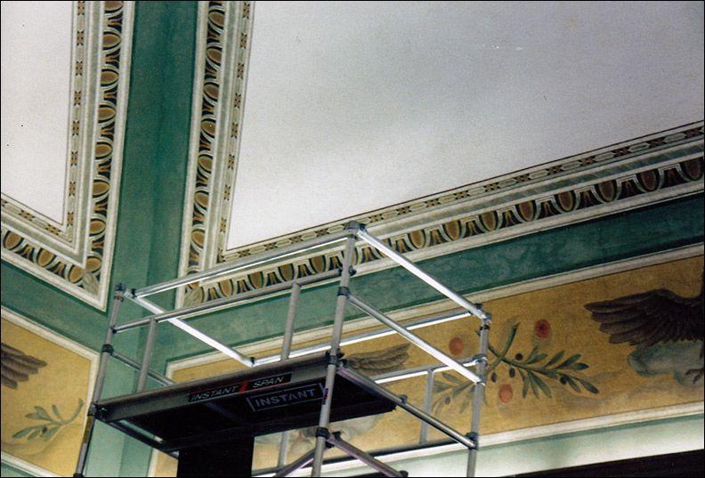 Soffitti A Volta Decorazioni : La decorazione di un soffitto utilizzando lo stile decorativo classico