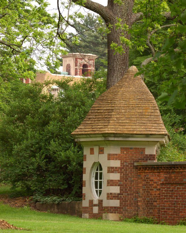 © James Robertson - Old Wesbury Gardens