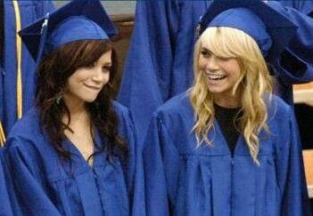 Bangs Under Grad Cap Graduation Hairstyles Graduation Hairstyles With Cap Cap Hair