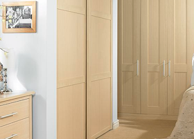B&Q Shaker Style Maple Effect 3 Panel Sliding Door | Bedroom-compare on