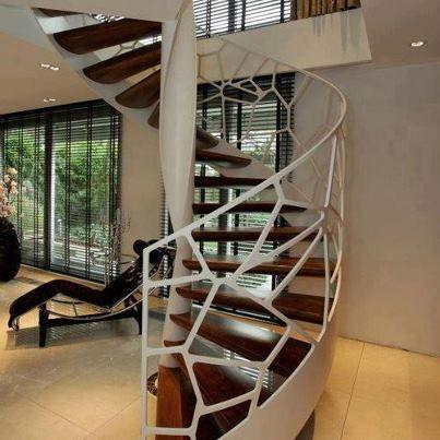 escaleras en espiral... interior - exterior.