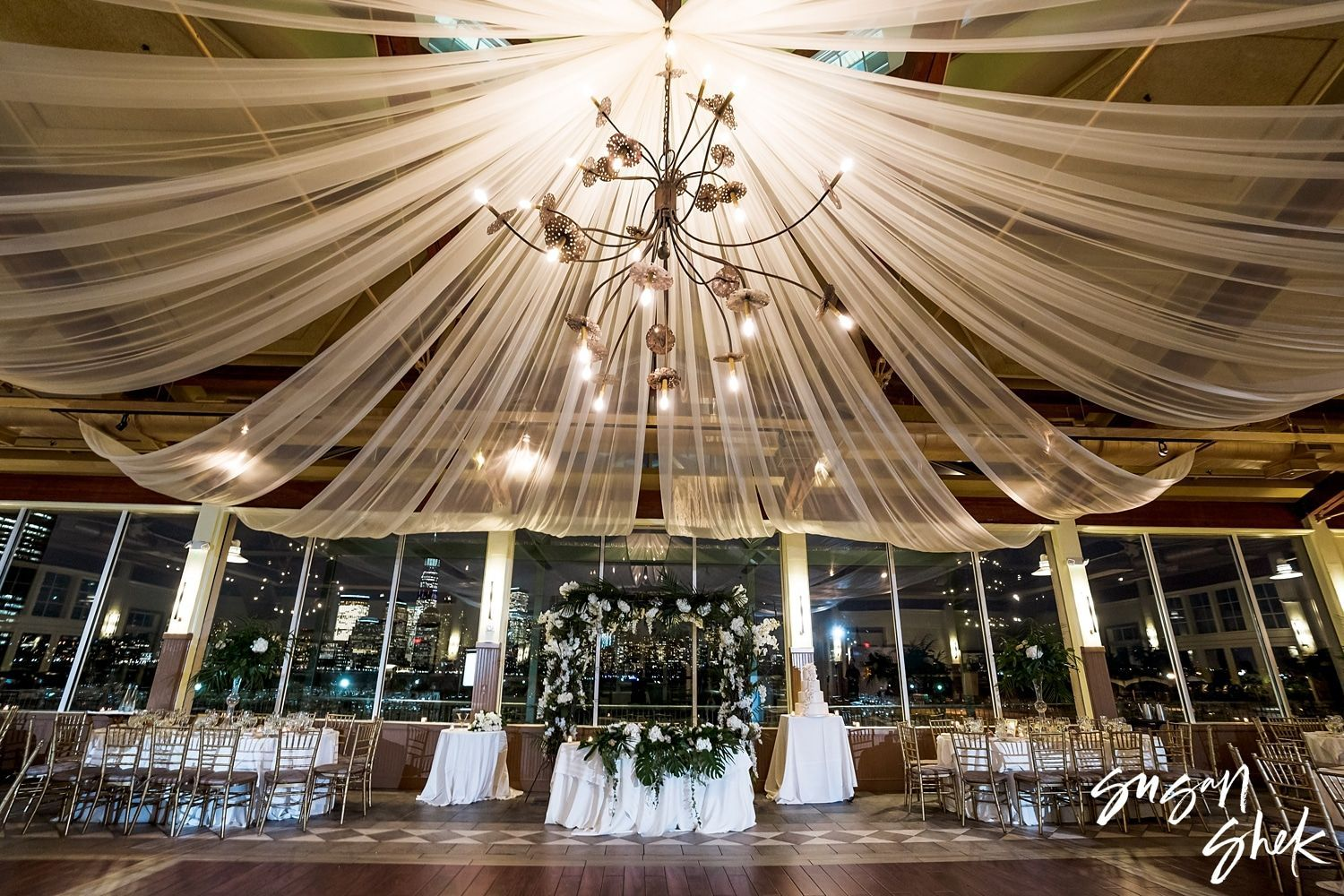 Liberty House Wedding In Jersey City Nj By Susan Shek Photography In 2020 Liberty House Wedding Restaurant Wedding Venues