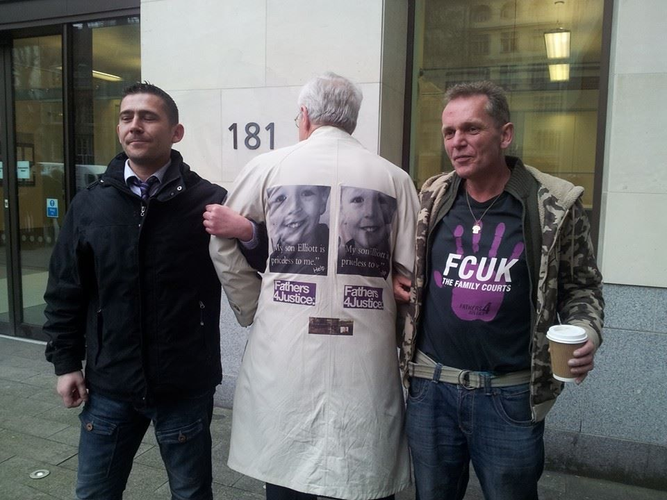 Empowerment Mondays The Weekly Protest 2014  #F4J Paul Manning @ Westminster Magistrates Court