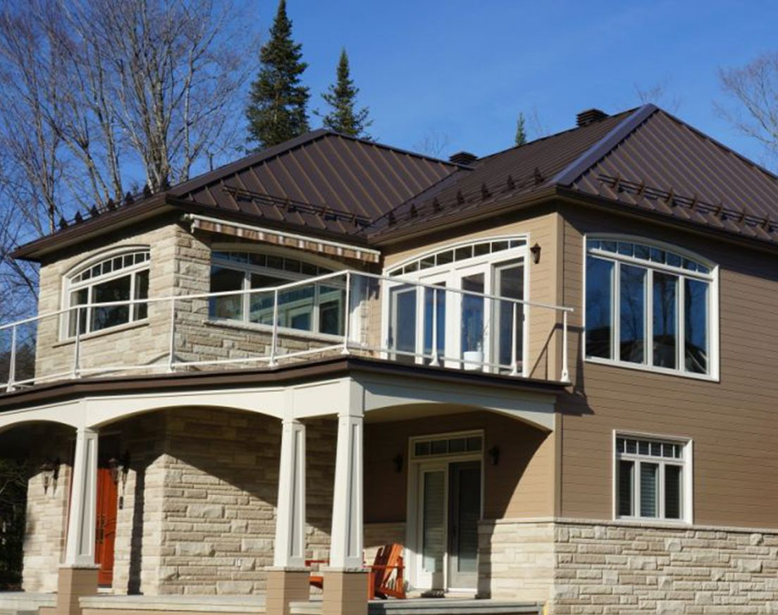 Best Prestige Metal Roof By Vicwest Shown In Dark Brown Www Vicwest Com House Paint Exterior 400 x 300