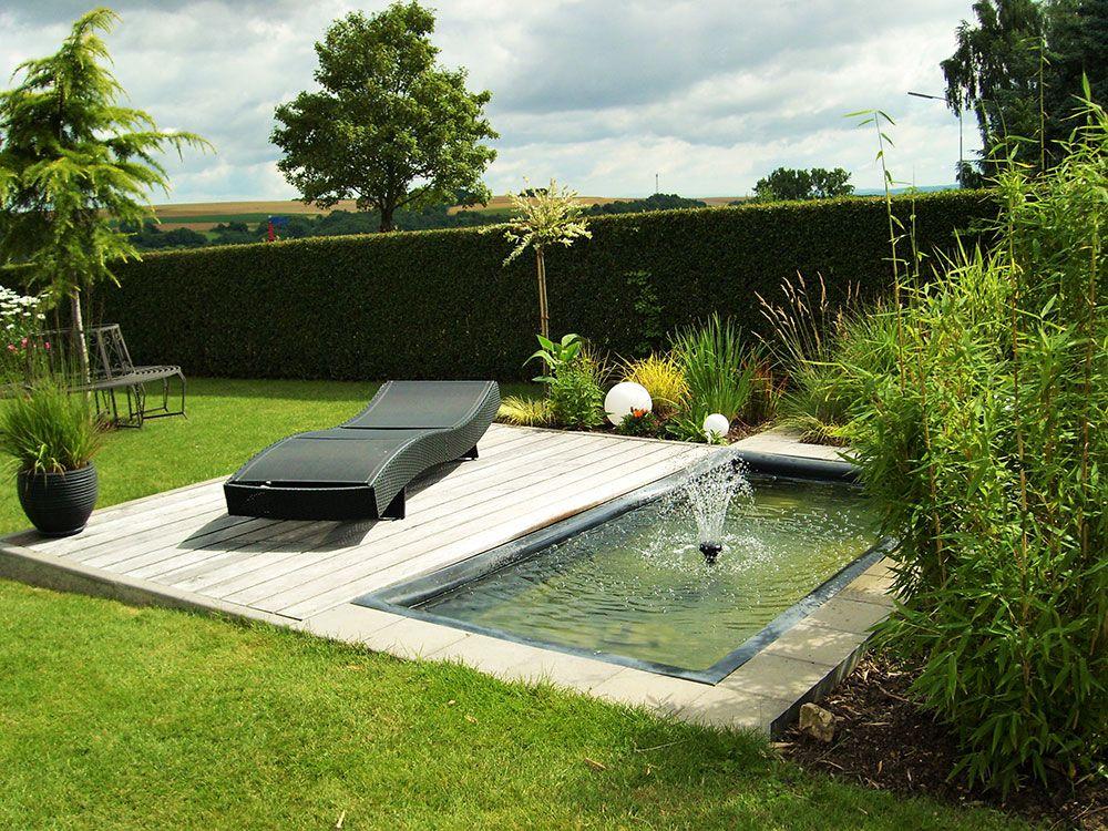 Terrassengestaltung mit wasserbecken  Referenzen | Miniteich, Gartenliege und Wasserspiele