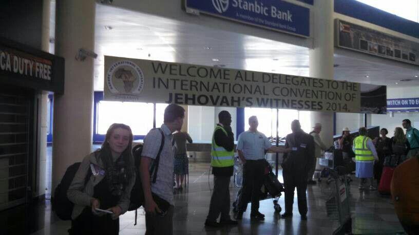 Foyer Entrance Zimbabwe : Brothers and sister welcoming us to harare zimbabwe ic