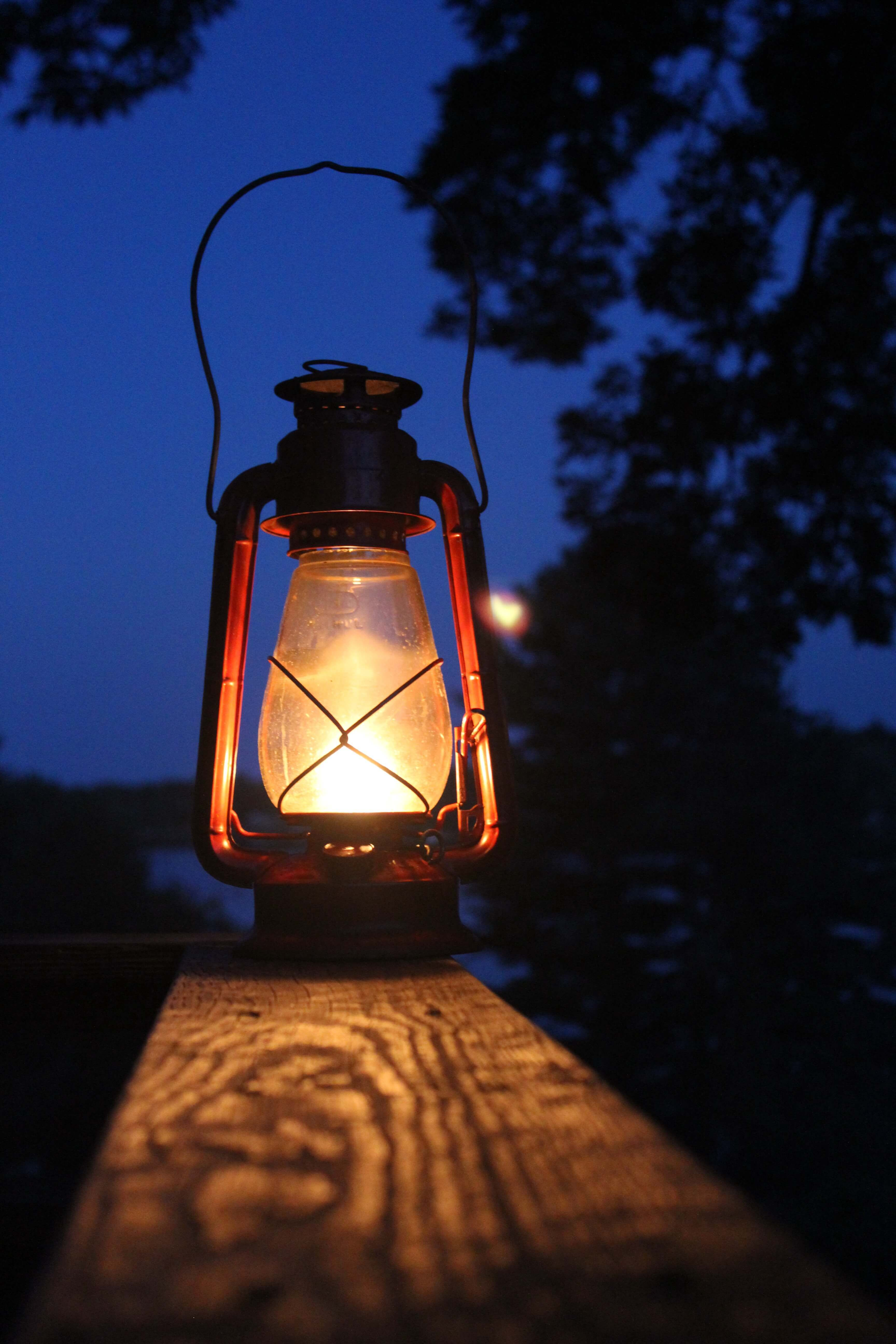 How To Light An Oil Lantern https://montemlife.com/how-to ...