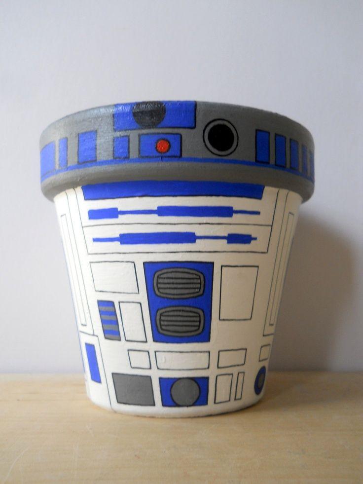 c3po planters r2d2 star wars droid painted flower pot craft ideas pinterest ideen. Black Bedroom Furniture Sets. Home Design Ideas