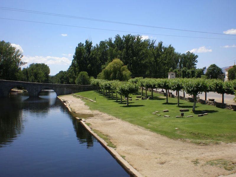 piscinas naturales del rio alberche a su paso por la