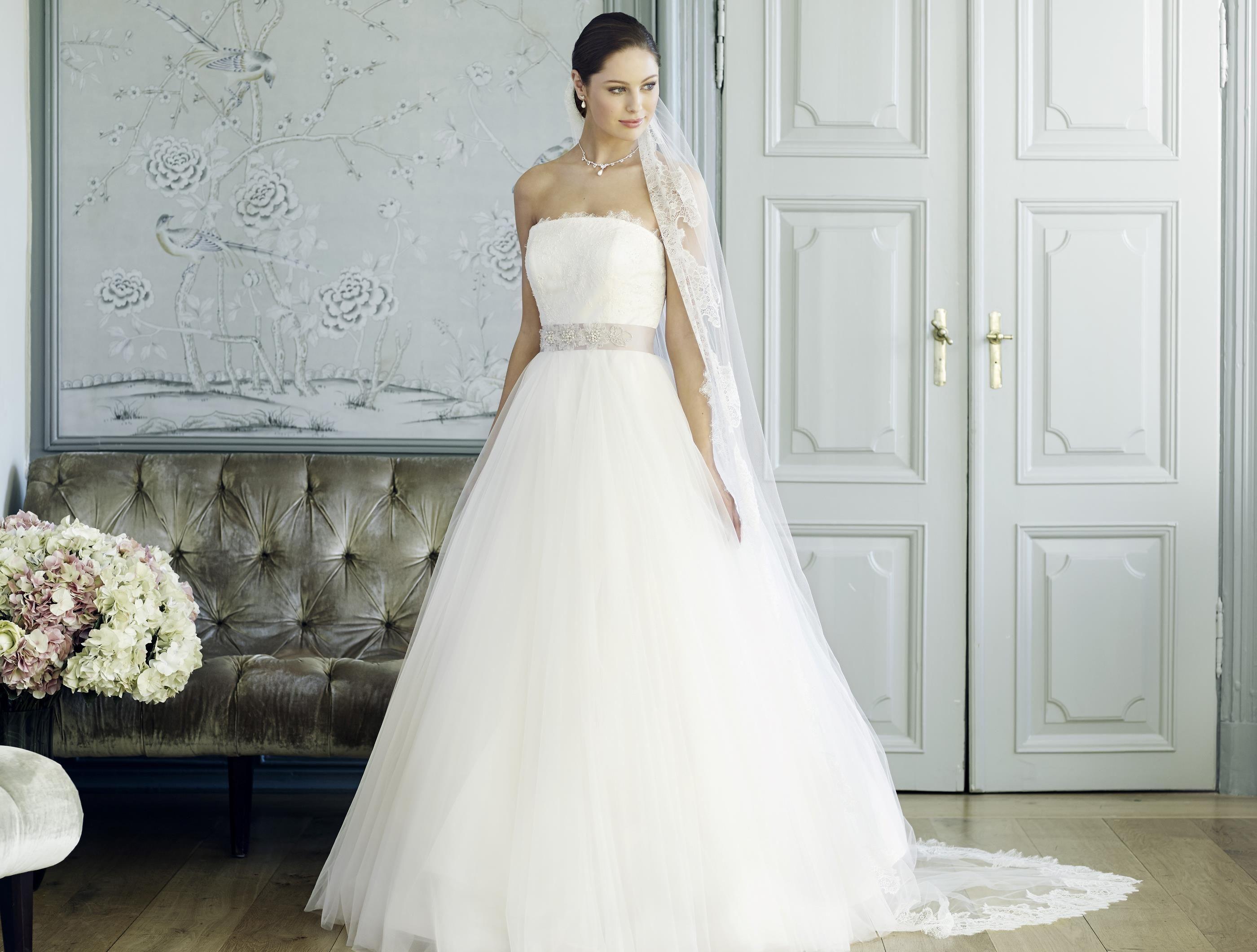 Wedding Dress  Schulterfreies Korsagen Brautkleid in A-Linie mit