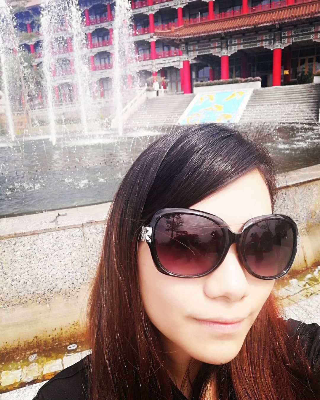 Red and white . . . #style #building #look #love #girl #shades #streetstyle #rojo #happy #dailylook #shadow #amor #fountain #sun #hotel #sunny #estilo #sleepy #night #architecture #black #colors #red #pattern #trend #travel #kaohsiung