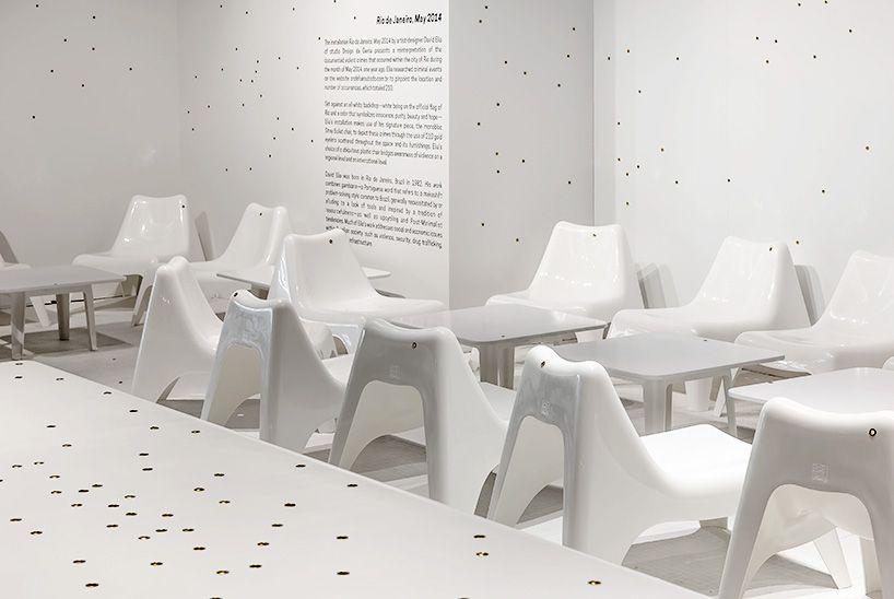 #DavidElia refleja en su obra el crimen en Rio de Janeiro  Diseño #arquitectura #architecture #efimera #ephemeral #inspiration #inspiracion #creatividad #creativity #creatividad #creative #chairs #sillas