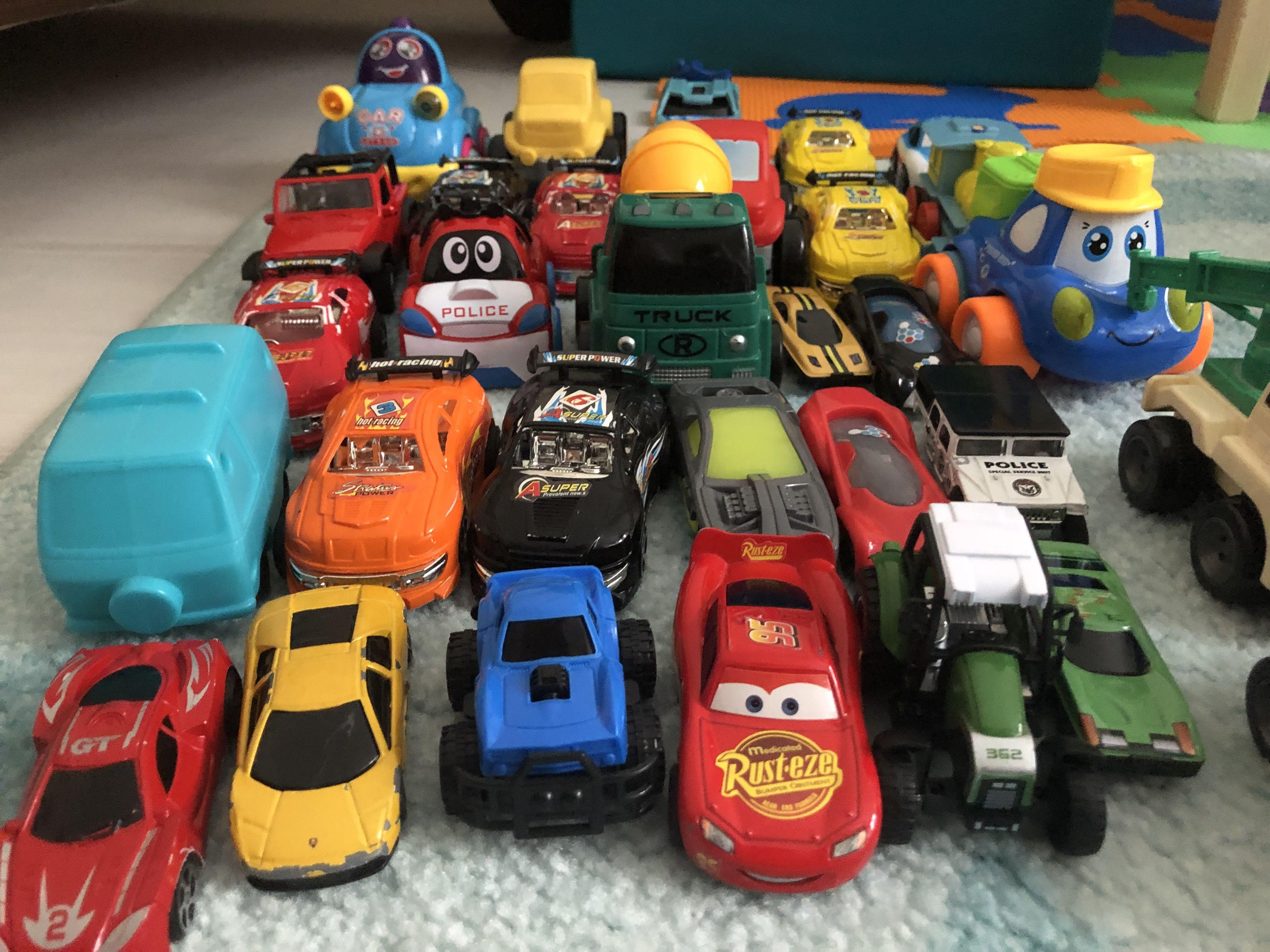 Otopark Oyunu Oyuncak Arabalar Simsek Mcqueen Vinc Traktor Kamyon Araba Oyunu Oyuncak Araba Oyuncak Araba