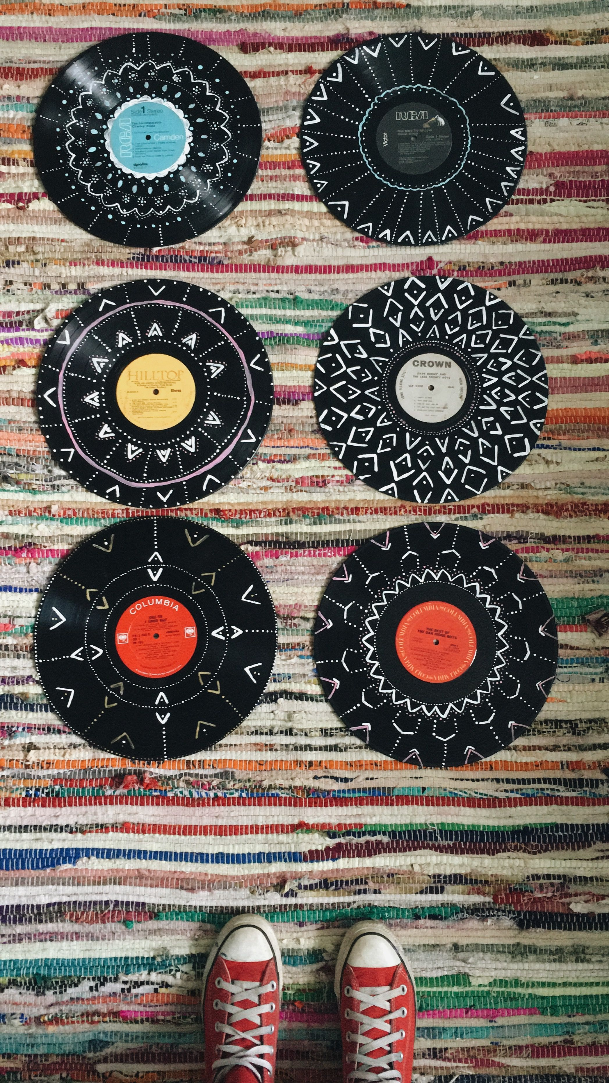 Painted Old Records In 2019 Vinyl Record Art Vinyl Art Record Art