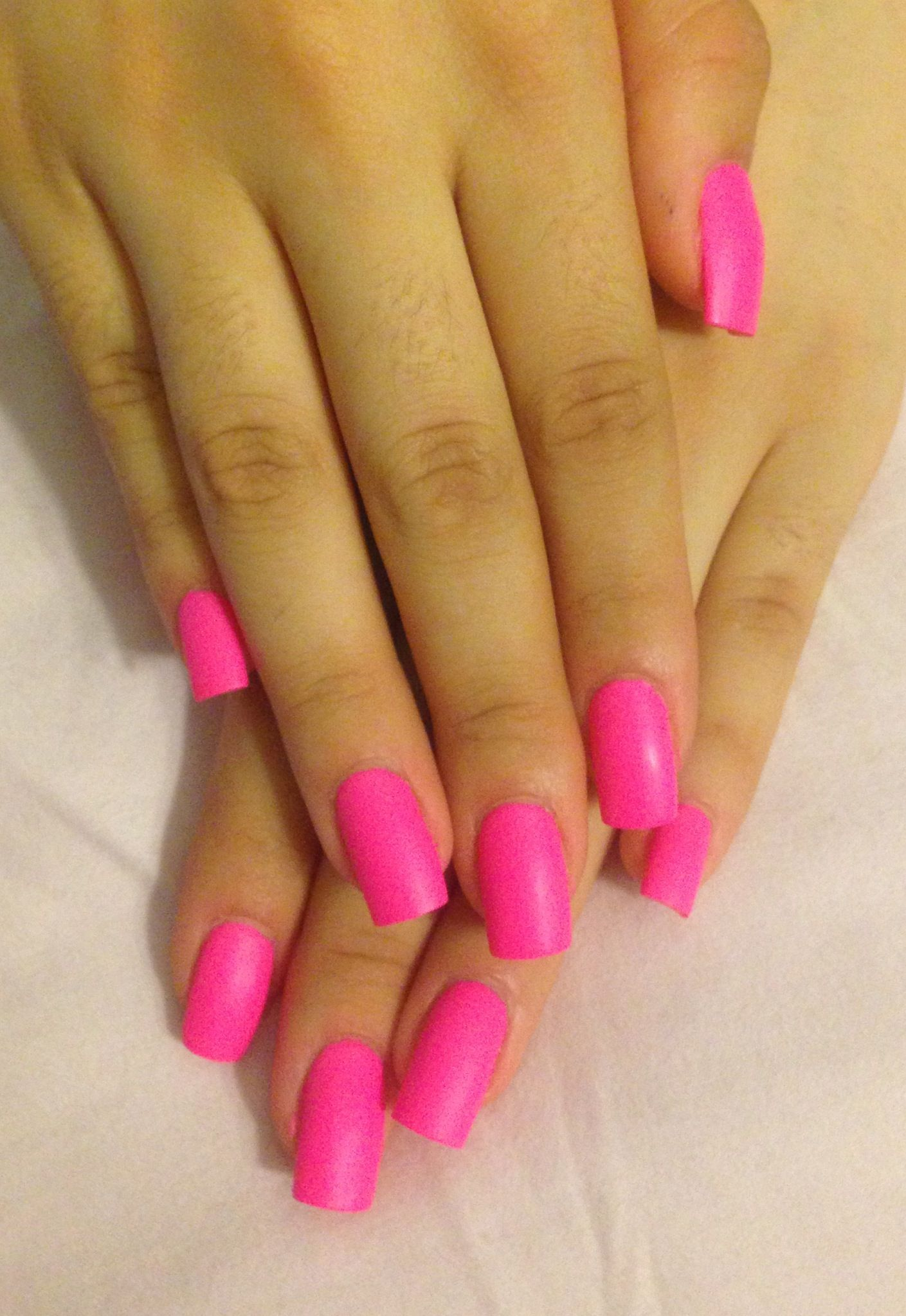 I never ever ever do pink nails but this matte pink.. I would probably try it if it were in front of me.