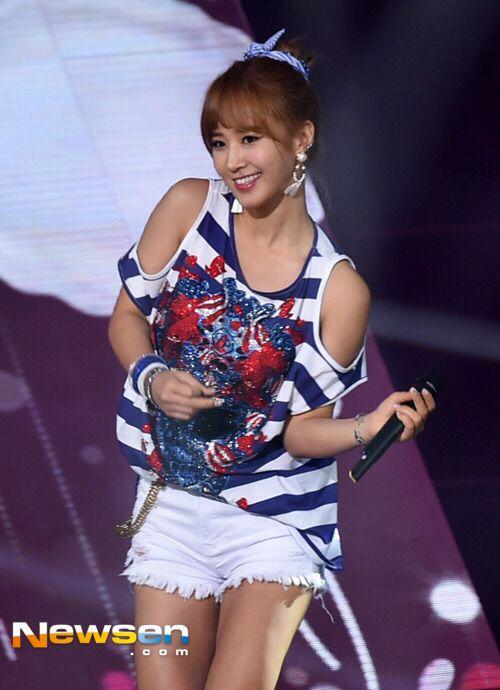 150714 SNSD - Party + No1 @ SBS The Show : Yuri