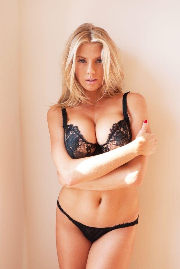 da3f1d1a63d44 Charlotte McKinney is the sexiest supermodel in the world.  charlotte   mckinney