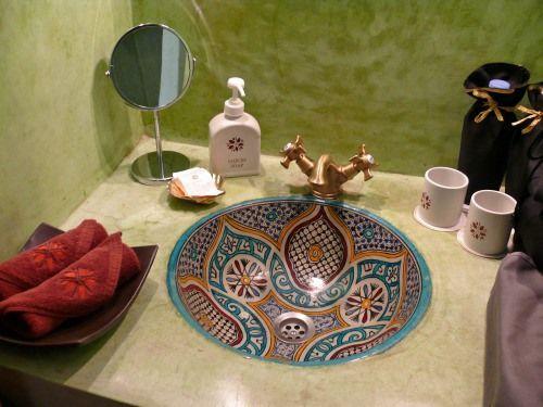 vasque céramique de safi Maroc | Salle de bains orientale ...