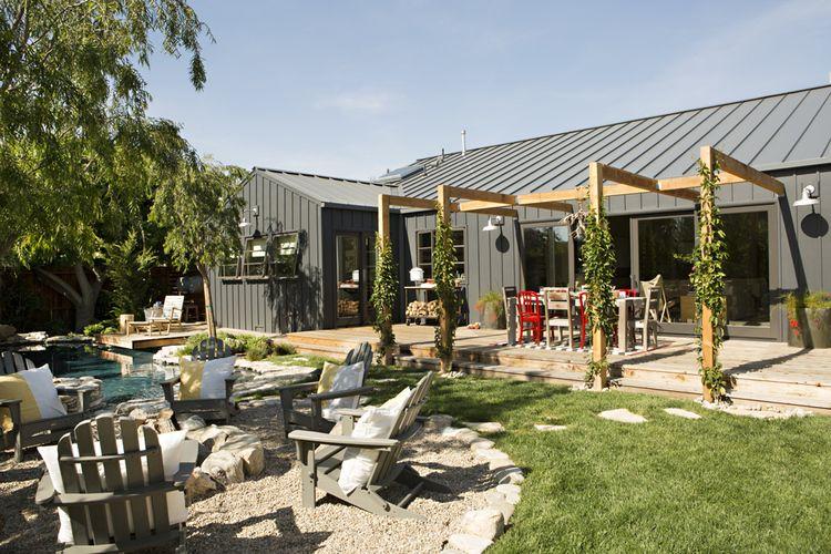 industrial modern farmhouse exterior