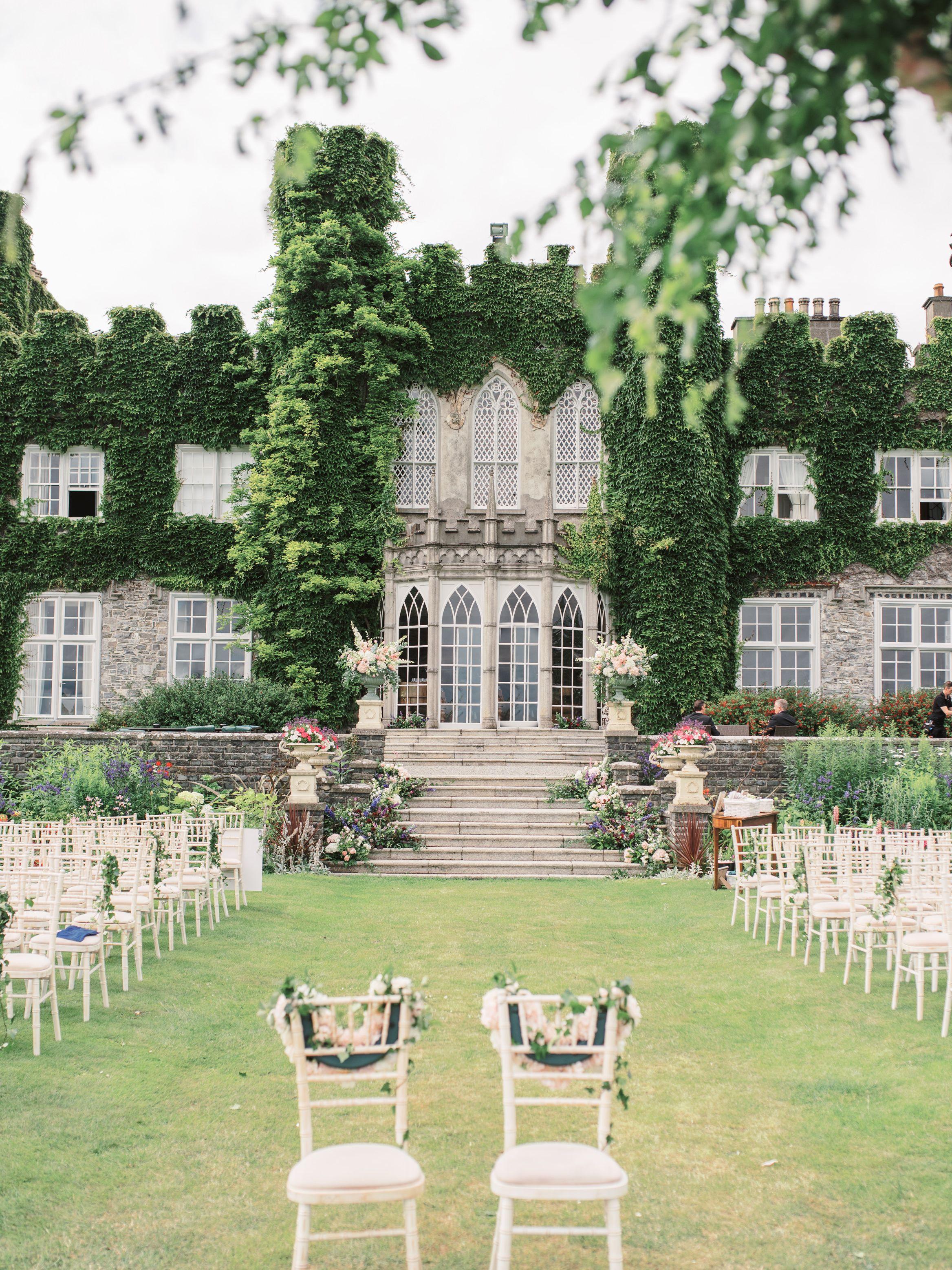 The beautiful Luttrelstown Castle wedding venue in Kildare ...