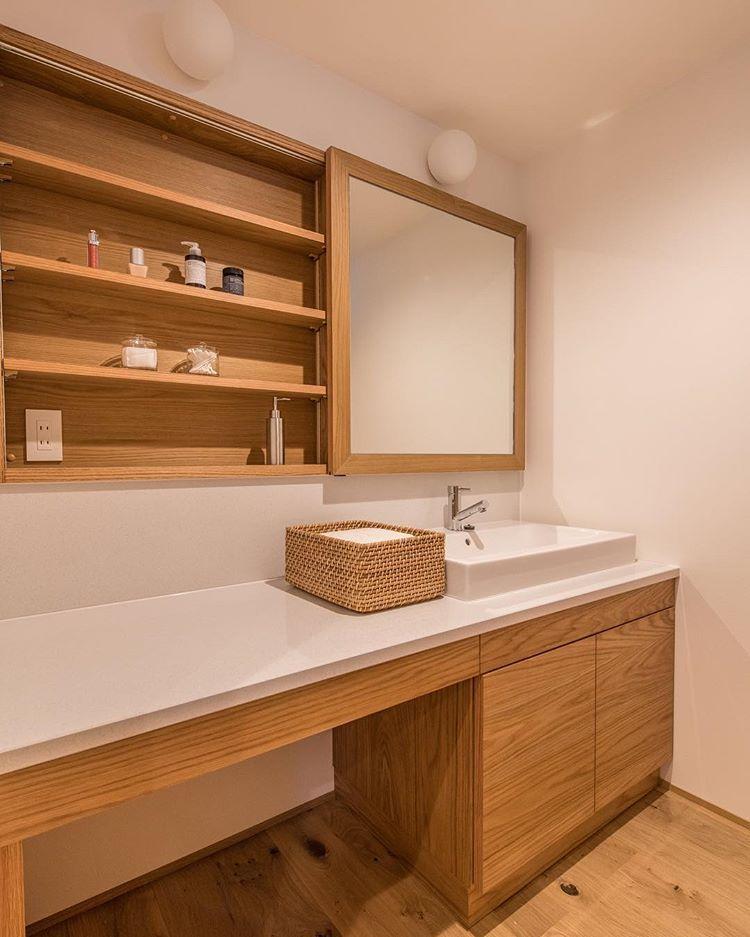Instagram モダンバスルーム 洗面所 タイル おしゃれ 洗面所 鏡