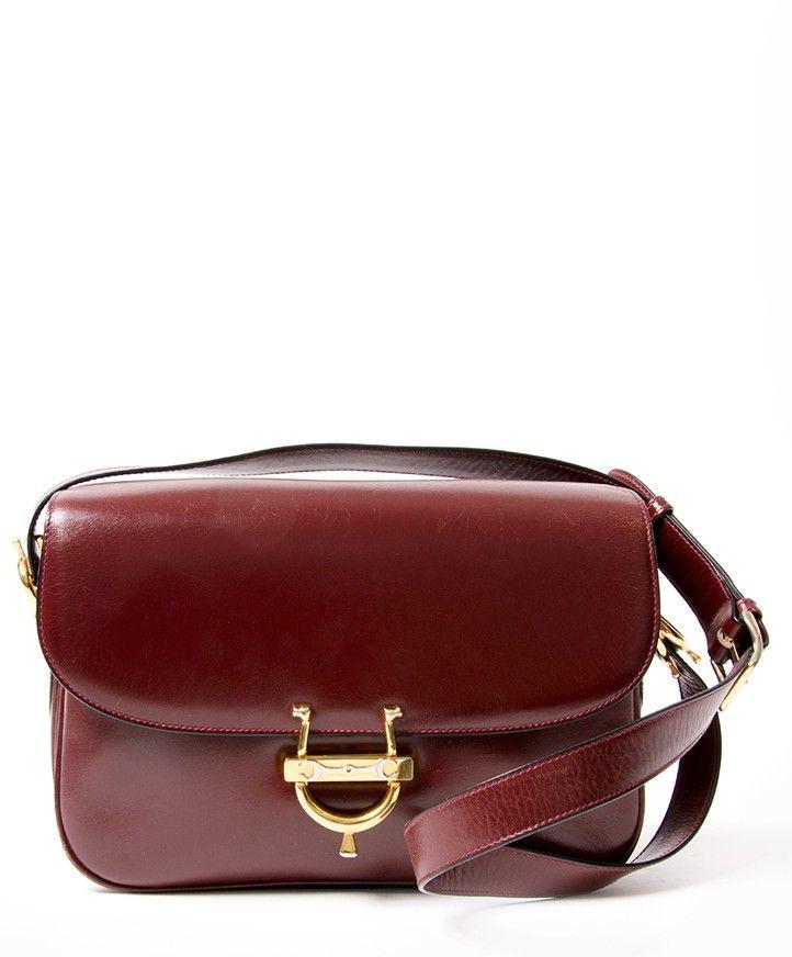 e58762d2a3 Céline Vintage Burgundy Shoulder Bag seconde main authentique shopping en  ligne marques mode designer en vogue webshop Anvers Belgique LabelLOV