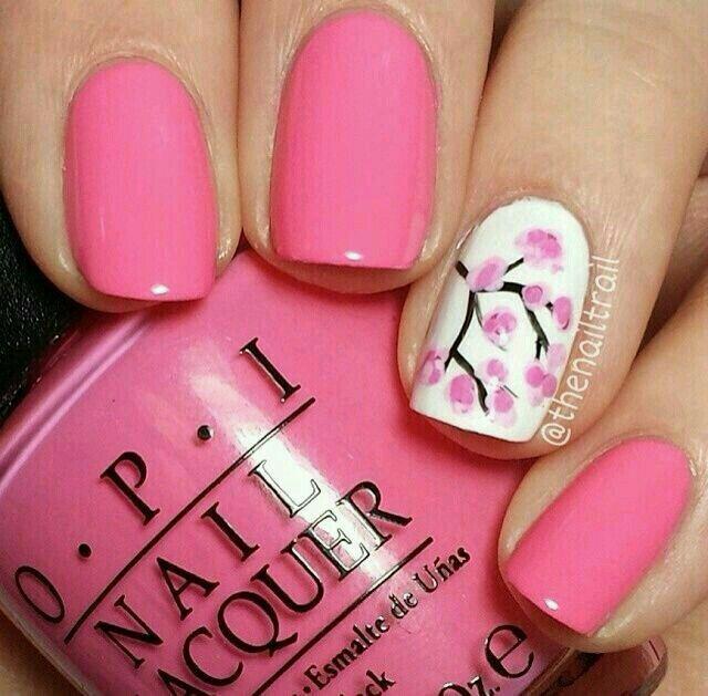 En rosa mexicano y detalle de una rama de cerezo | Nails | Pinterest ...
