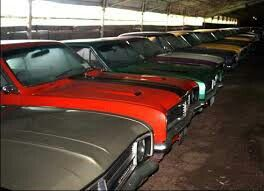 What a barn find just full of monaroes | cool muscle cars ...