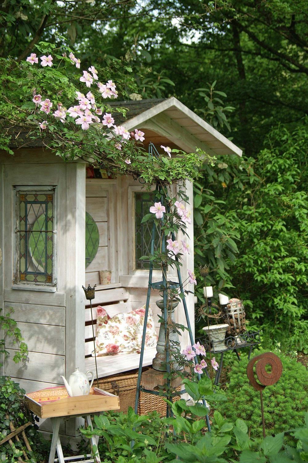 12 Ideen Fur Sitzplatze Im Garten Garten Gartenecke Sitzplatz Im Garten