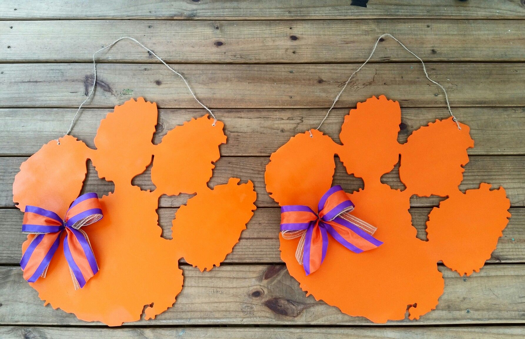 Wood Paw | Crafts Diy crafts, Clemson door, door hangers