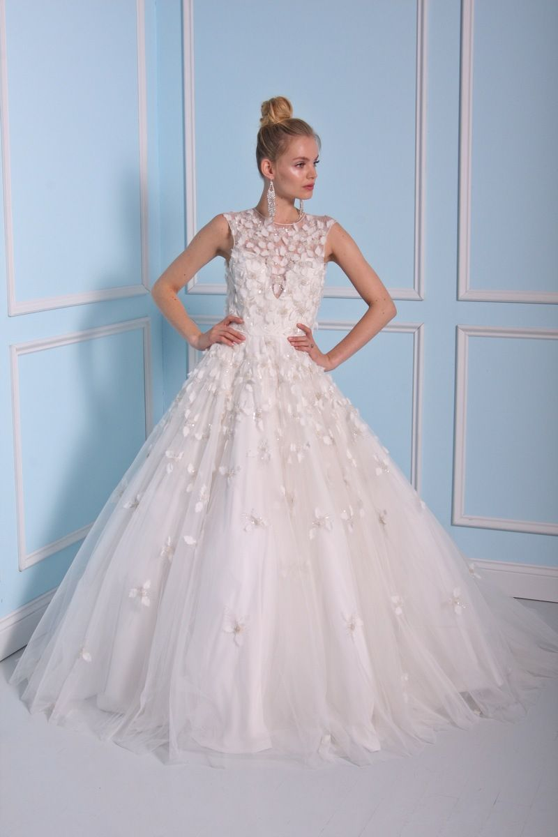 Ball gown wedding dress by Christian Siriano wedding dresses 2016 | fabmood.com