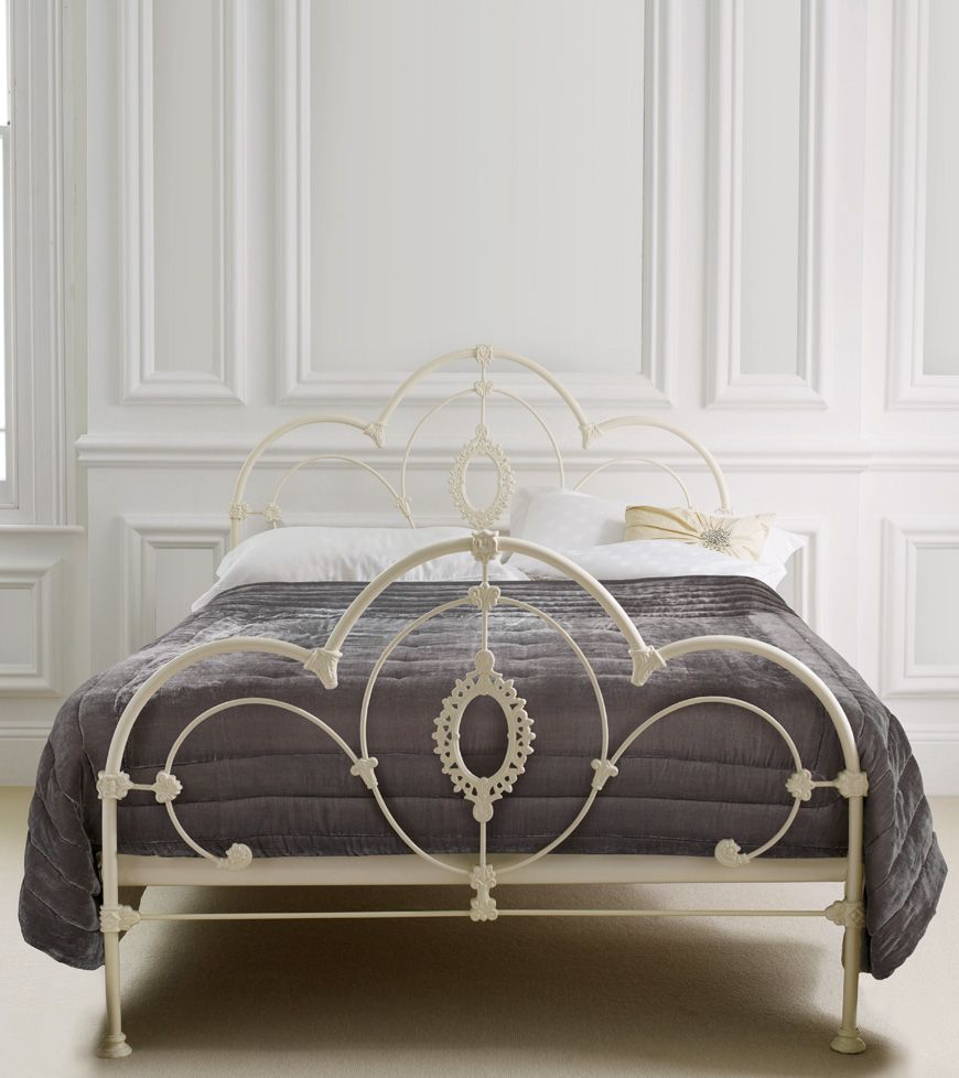 Somerset Bedroom Furniture Somerset Bed Somerset Bed In An Ivory Finish This Ornately