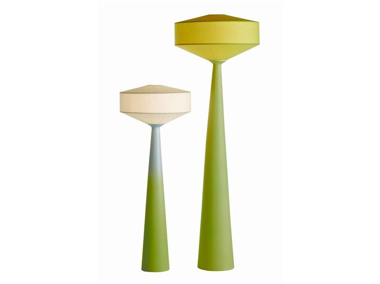 lampadaire pour clairage indirect cities by roche bobois. Black Bedroom Furniture Sets. Home Design Ideas