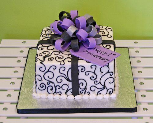 Present wedding cake anniversary cake scroll design black