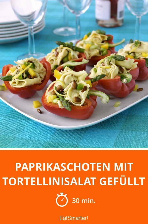 Paprikaschoten mit Tortellinisalat gefüllt