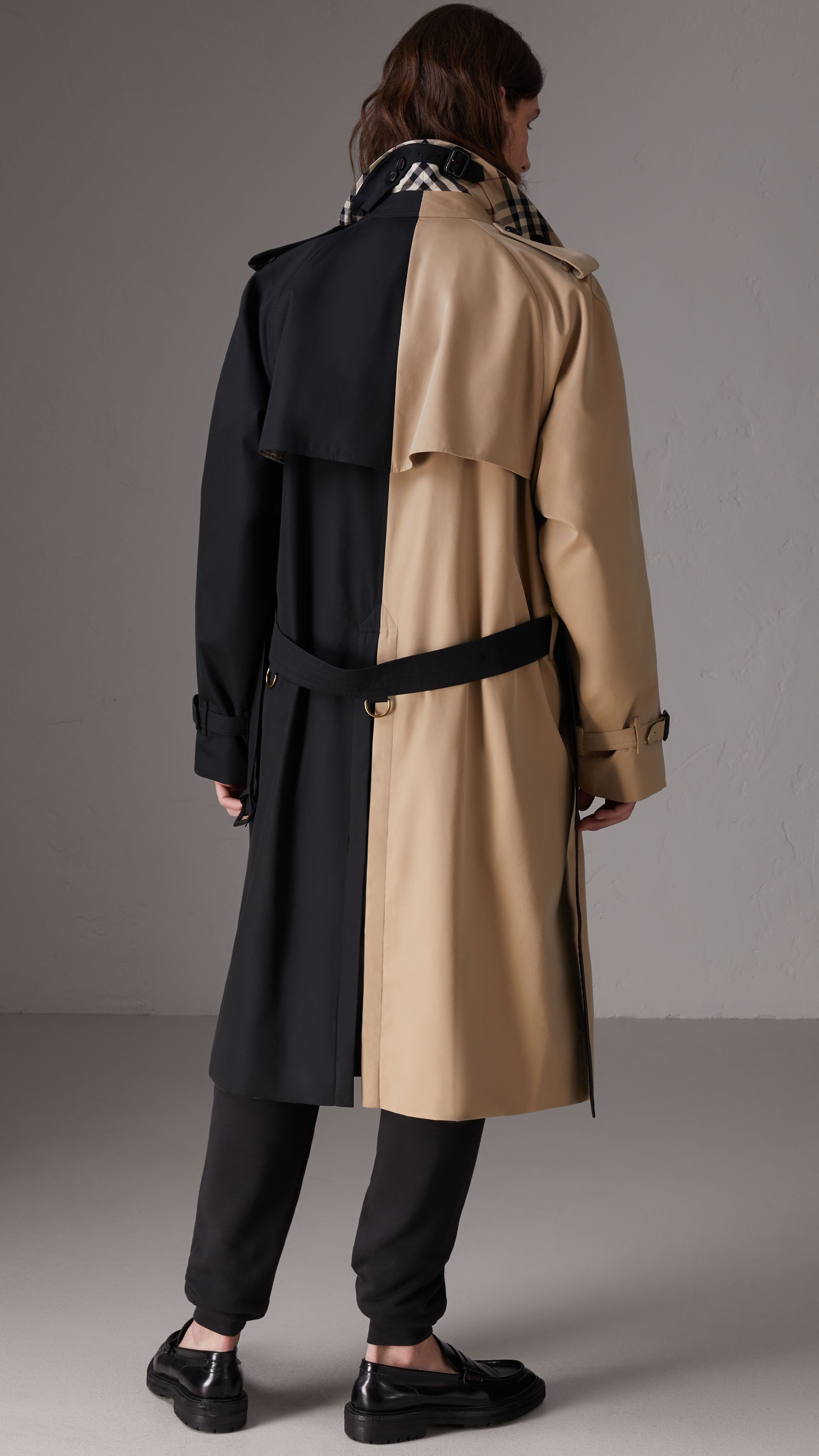 0813e07688b Two tone trench yes gawd 😭😍 Burberry • fashion • vibes • need • coat •  jacket •