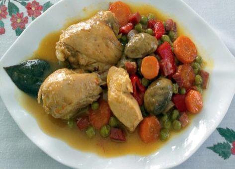 Adecuada para cualquier estación del año, esta Receta de Pollo a la Jardinera es un plato ideal por su combinación de fibras y vitaminas.