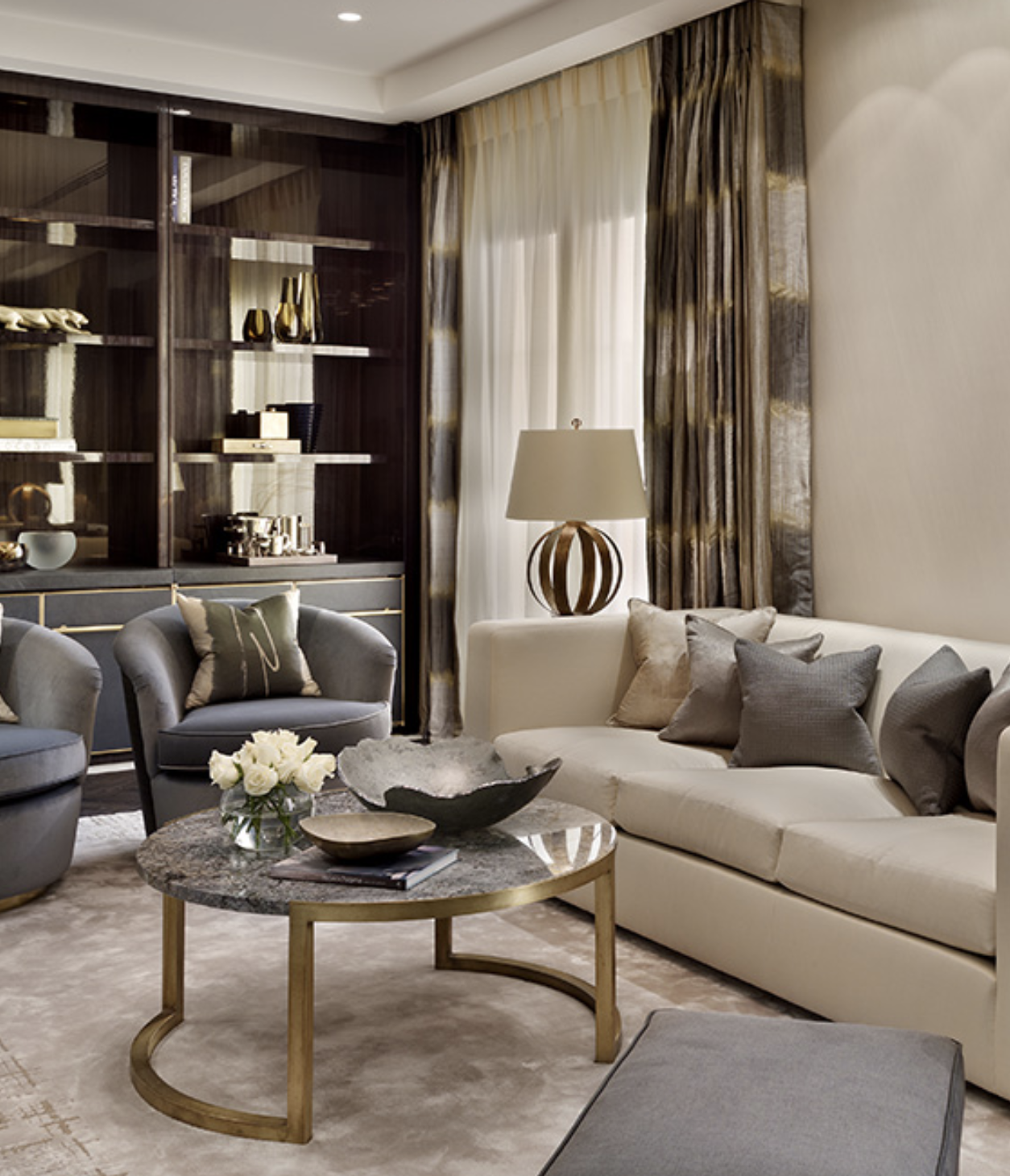 Katharine Pooley Luxury Elegant And Beautiful Living Room With Gold Circle Center Table Be Living Room Designs Furniture Design Modern Luxury Interior Design