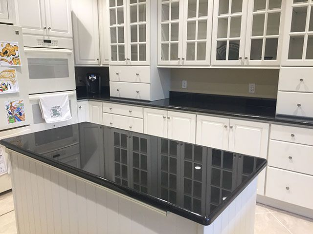 Remarkable White Kitchen Island With Black Granite Top And Mount Luxury Hom Antique White Kitchen Cabinets White Cabinets Black Countertops White Wood Kitchens