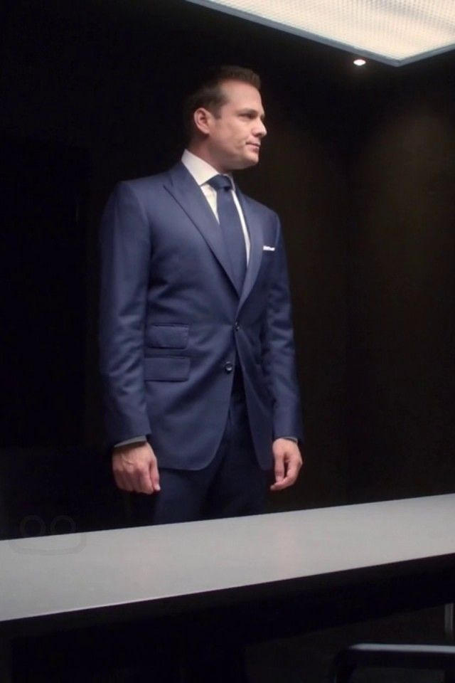 9c1004a225082e Harvey Specter wearing Tom Ford Two Button Suit Peak Lapels, Harry Rosen  French Cuff Dress Shirt