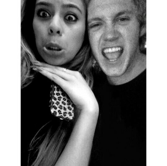 Dinah Jane Hansen and Niall Horan manip