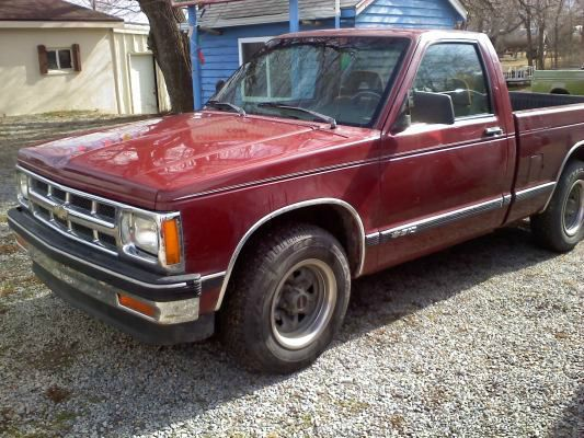 My12th Vehicle A 1993 Chevy S10 Tahoe Maroon V6 Automatic